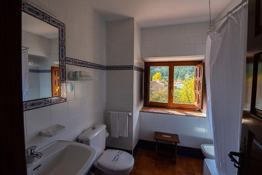 Hotel La Vega baño